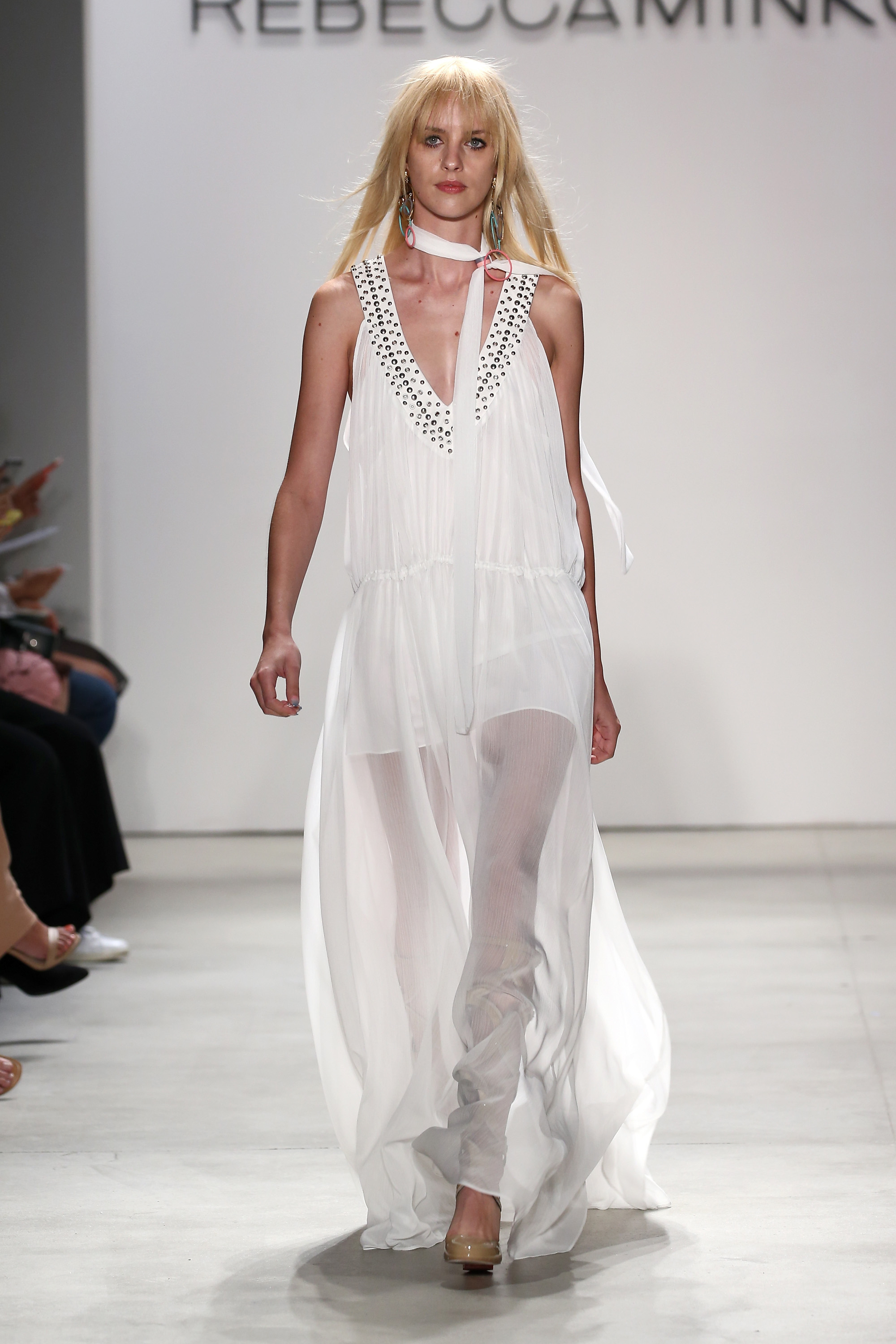 (REBECCA MINKOFF S/S 2016) Here's everything you need to know about the previous New York, London, Milan and Paris Fashion Week + the S/S 2016 trends you should look out for this upcoming season. Click to read more!