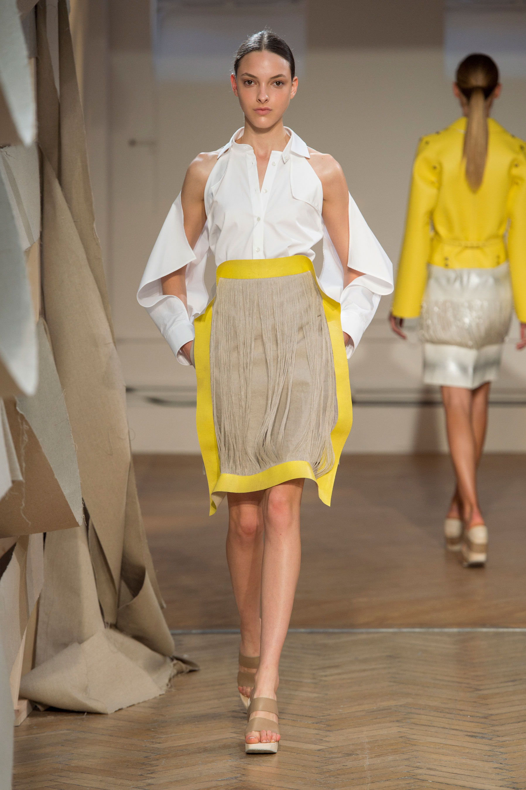 (PALMER HARDING S/S 2016) Here's everything you need to know about the previous New York, London, Milan and Paris Fashion Week + the S/S 2016 trends you should look out for this upcoming season. Click to read more!