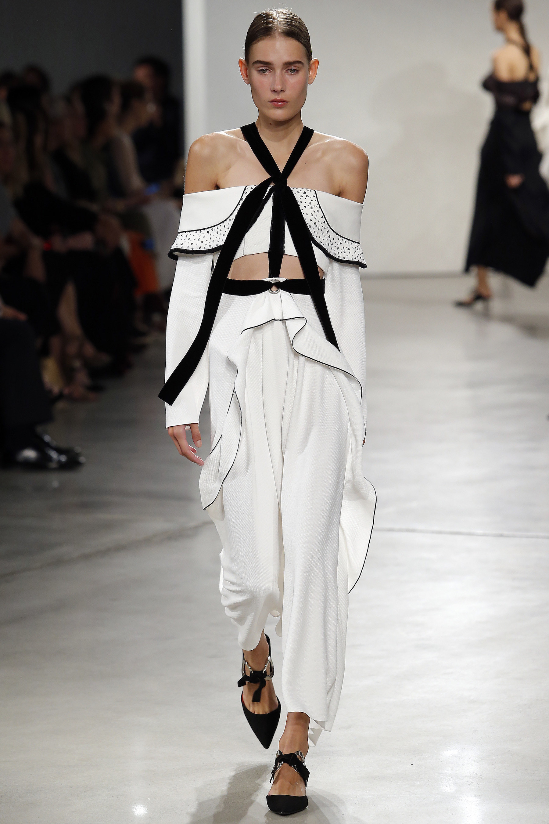 (PROENZA SCHOULER S/S 2016) Here's everything you need to know about the previous New York, London, Milan and Paris Fashion Week + the S/S 2016 trends you should look out for this upcoming season. Click to read more!