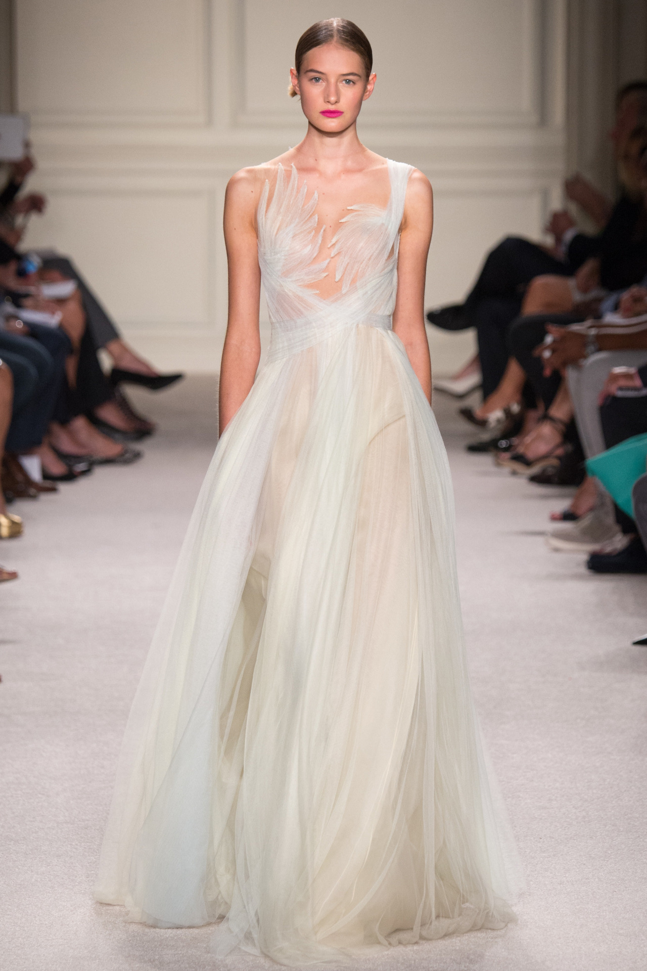 (MARCHESA S/S 2016) Here's everything you need to know about the previous New York, London, Milan and Paris Fashion Week + the S/S 2016 trends you should look out for this upcoming season. Click to read more!